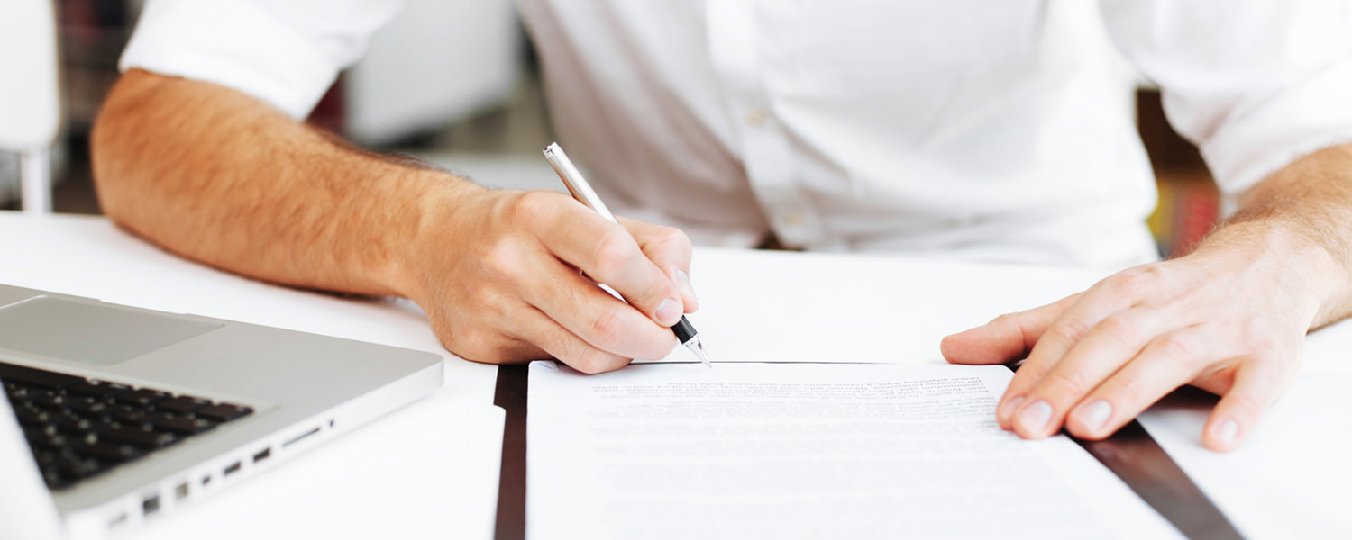 Attorney in Salt Lake City, Utah writing a business contract